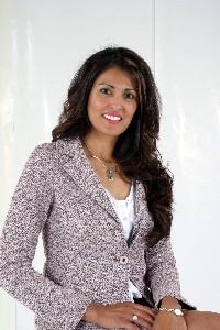 Gloria  Urwin